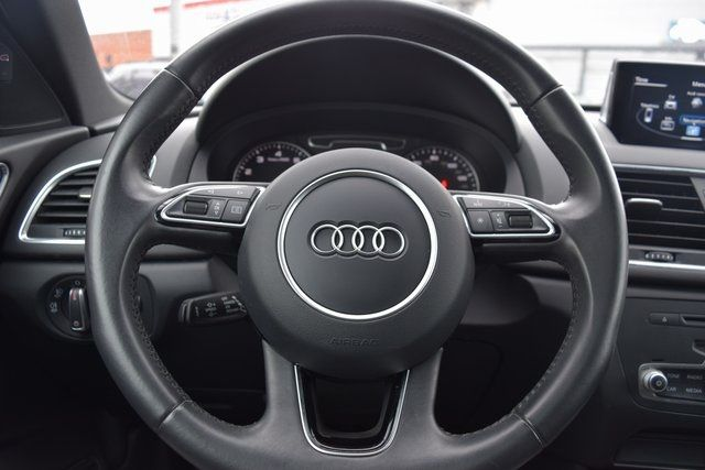 2015 Audi Q3 2.0T Prestige Richmond Hill, New York 40