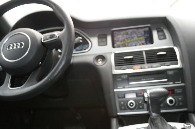 2015 Audi Q7 3.0L TDI Prestige Houston, Texas 14