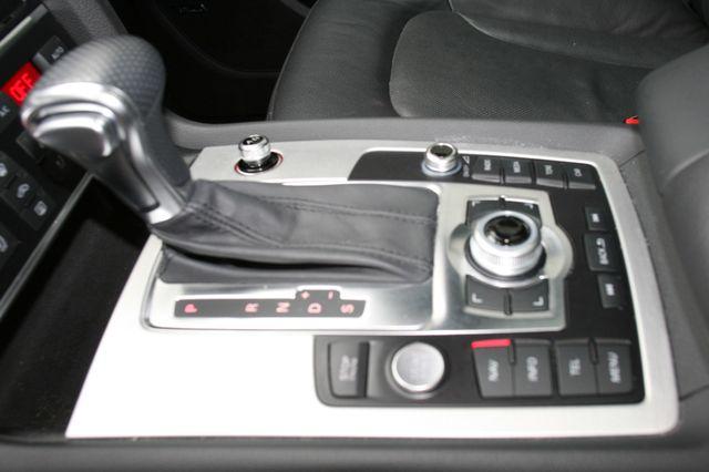2015 Audi Q7 3.0L TDI Prestige Houston, Texas 18