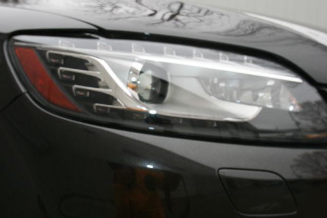 2015 Audi Q7 3.0L TDI Prestige Houston, Texas 8