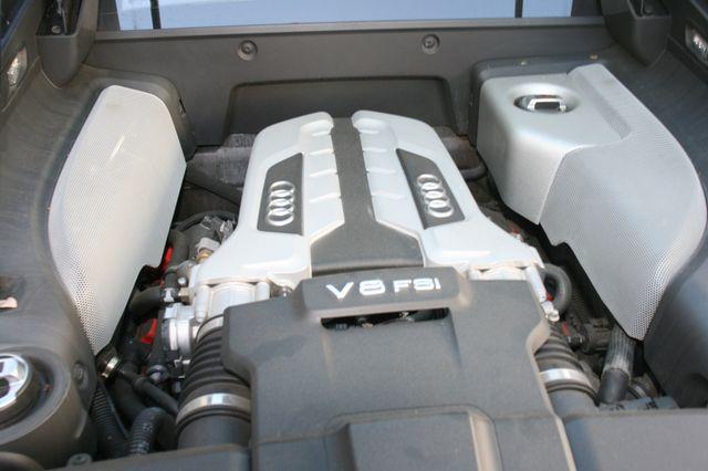2015 Audi R8 Coupe V8 Houston, Texas 8
