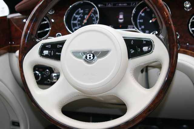 2015 Bentley Mulsanne Houston, Texas 17