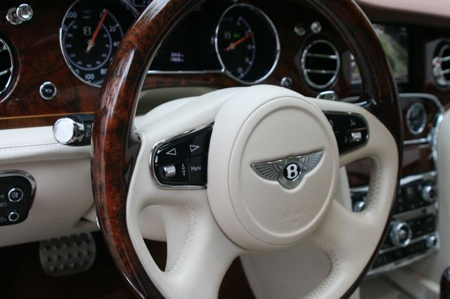 2015 Bentley Mulsanne Houston, Texas 33