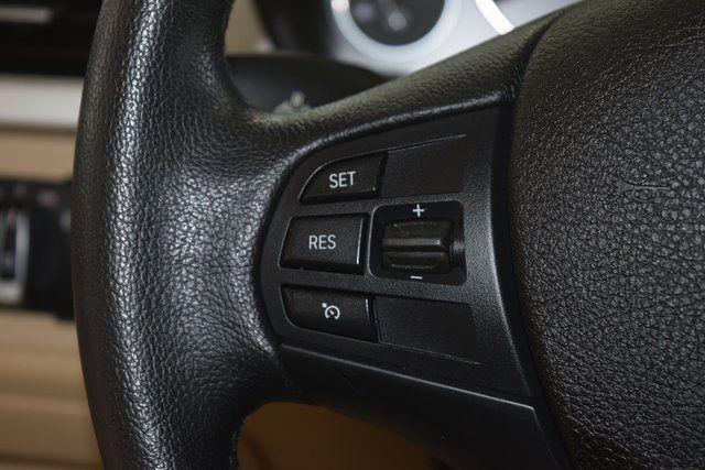 2015 BMW 320i xDrive 320i xDrive Richmond Hill, New York 24