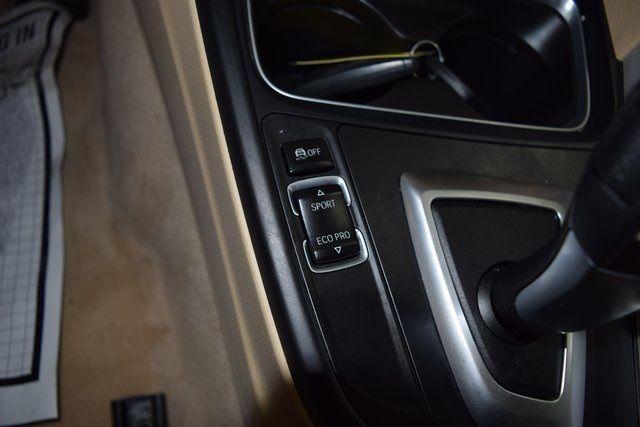 2015 BMW 320i xDrive 320i xDrive Richmond Hill, New York 27