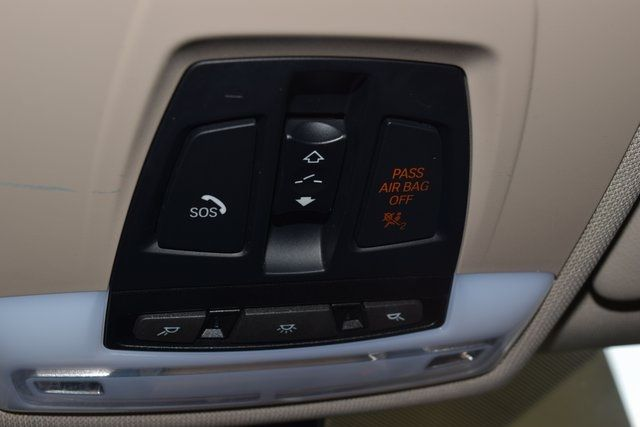 2015 BMW 320i xDrive 320i xDrive Richmond Hill, New York 32
