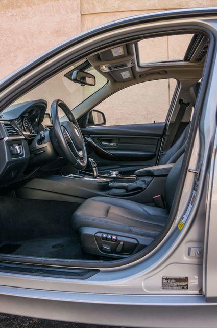 2015 BMW 328i  AUTO - PREIMIUM - 37K MILES - NAVI Reseda, CA 37