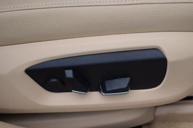 2015 BMW 528i xDrive 528i xDrive Richmond Hill, New York 21