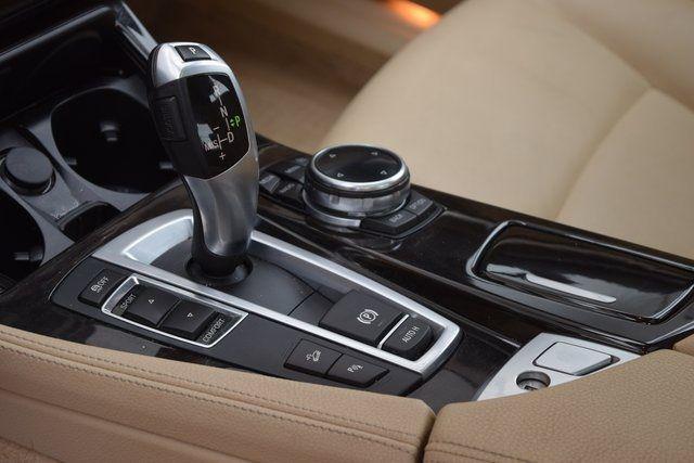 2015 BMW 528i xDrive 528i xDrive Richmond Hill, New York 33