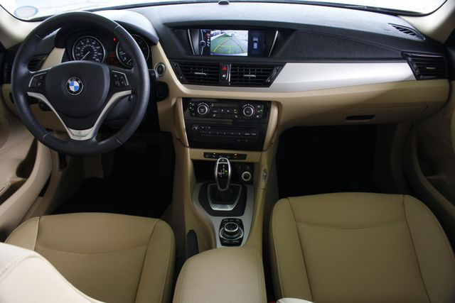 2015 BMW X1 xDrive28i AWD - PREMIUM  PKG-NAVIGATION-PANO ROOF! Mooresville , NC 30