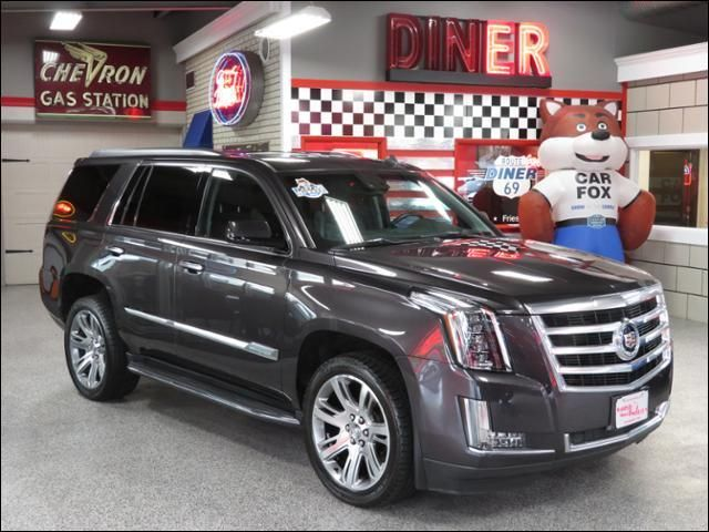 2015 Cadillac Escalade Luxury AWD One Owner  in Ankeny IA