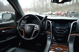 2015 Cadillac Escalade ESV Luxury Naugatuck, Connecticut 13