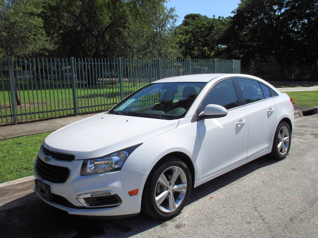2015 Chevrolet Cruze LT Come and visit us at oceanautosalescom for our expanded inventoryThis of