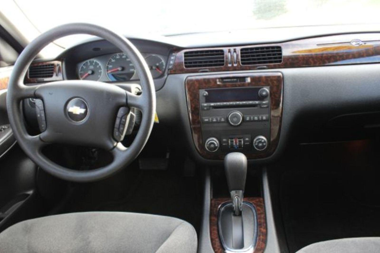 2015 chevrolet impala limited lt city mt bleskin motor company for Chevrolet impala 2015 interior