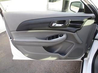 2015 Chevrolet Malibu LS Milwaukee, Wisconsin 8