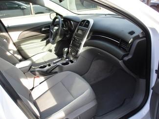 2015 Chevrolet Malibu LS Milwaukee, Wisconsin 17