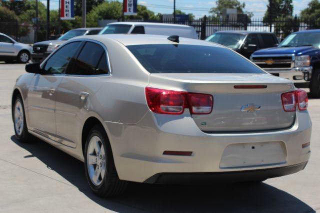 2015 Chevrolet Malibu LS San Antonio , Texas 6