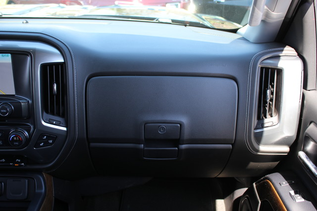 2015 Chevrolet Silverado 1500 LTZ PLUS Crew Cab 4x4 - NAVIGATION - 6.2L V8! Mooresville , NC 3