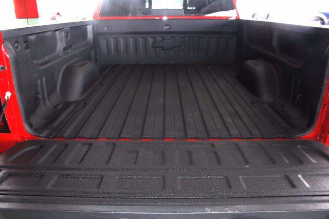2015 Chevrolet Silverado 1500 LT PLUS Crew Cab 4x4 - HEATED BUCKET SEATS! Mooresville , NC 17