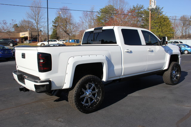 2015 Chevrolet Silverado 2500HD High Country Crew Cab 4x4 - LIFTED! Mooresville , NC 6