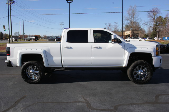 2015 Chevrolet Silverado 2500HD High Country Crew Cab 4x4 - LIFTED! Mooresville , NC 7