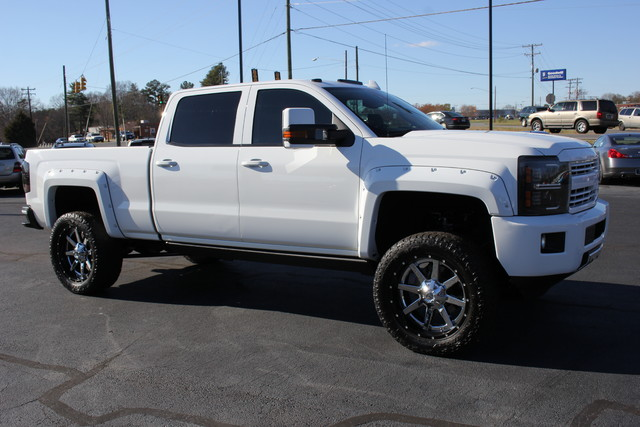 2015 Chevrolet Silverado 2500HD High Country Crew Cab 4x4 - LIFTED! Mooresville , NC 8