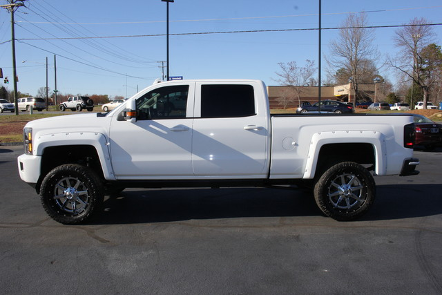 2015 Chevrolet Silverado 2500HD High Country Crew Cab 4x4 - LIFTED! Mooresville , NC 3