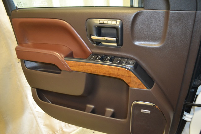 2015 Chevrolet Silverado 2500HD Diesel High Country Roscoe, Illinois 24