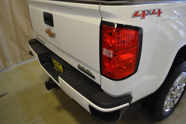 2015 Chevrolet Silverado 2500HD Diesel High Country Roscoe, Illinois 4