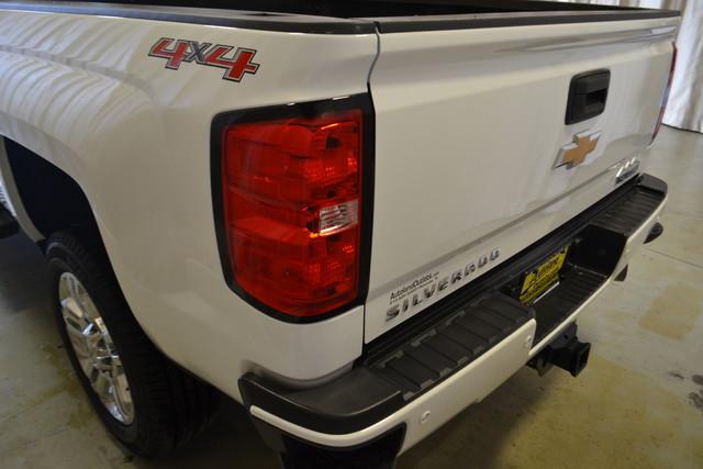 2015 Chevrolet Silverado 2500HD Diesel High Country Roscoe, Illinois 5