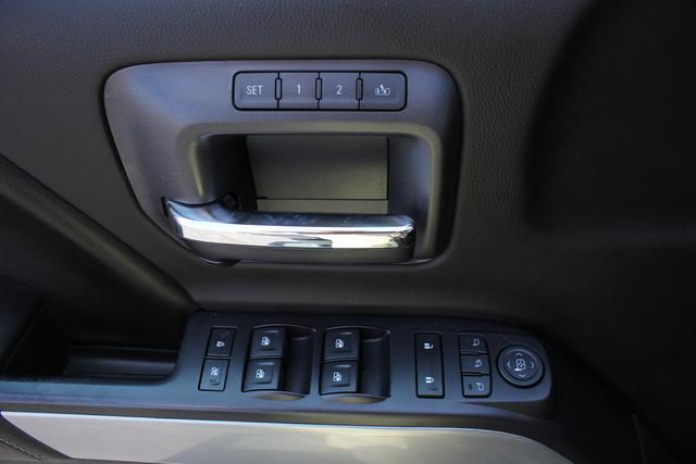 2015 Chevrolet Silverado 3500HD LTZ-4X4-NAV-LOADED!! Mooresville , NC 33