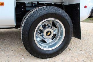 2015 Chevrolet Silverado 3500 HD DRW High Country Crew Cab 4X4 6.6L Duramax Diesel Allison Auto LOADED Sealy, Texas 28