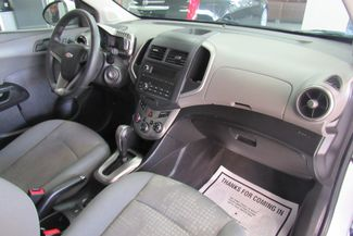 2015 Chevrolet Sonic LS Chicago, Illinois 10