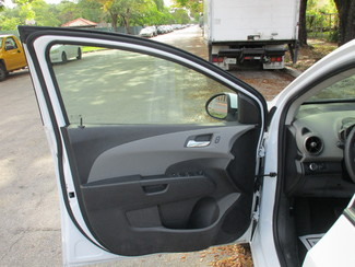 2015 Chevrolet Sonic LT Miami, Florida 6
