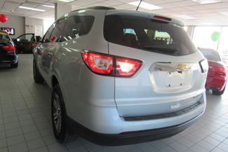 2015 Chevrolet Traverse LT W/ NAVIGATION SYSTEM/ BACK UP CAM Chicago, Illinois 3