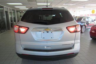 2015 Chevrolet Traverse LT W/ NAVIGATION SYSTEM/ BACK UP CAM Chicago, Illinois 4