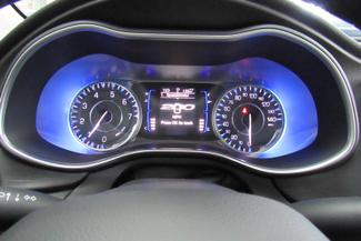 2015 Chrysler 200 Limited  W/ BACK UP CAM Chicago, Illinois 27