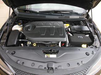 2015 Chrysler 200 S Clinton, Iowa 5