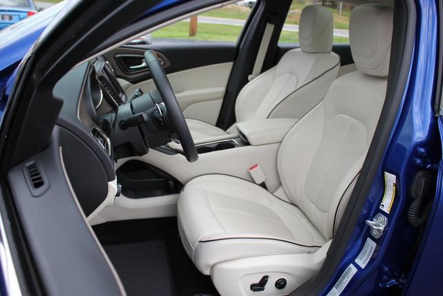 2015 Chrysler 200 C-AWD-NAV-PANOROOF!! Mooresville , NC 22