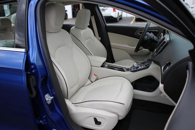 2015 Chrysler 200 C-AWD-NAV-PANOROOF!! Mooresville , NC 33