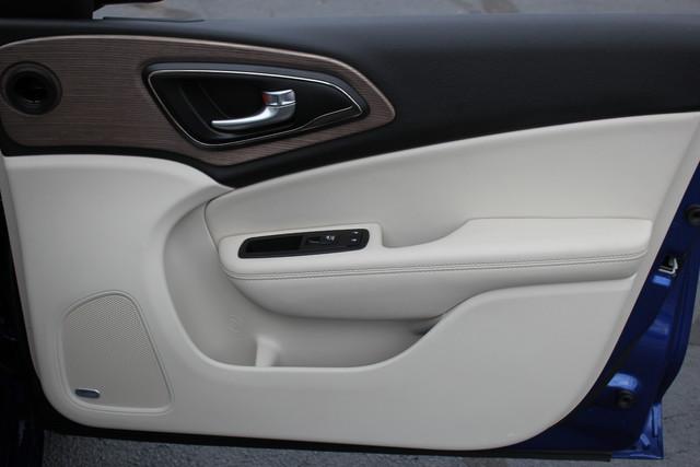 2015 Chrysler 200 C-AWD-NAV-PANOROOF!! Mooresville , NC 34