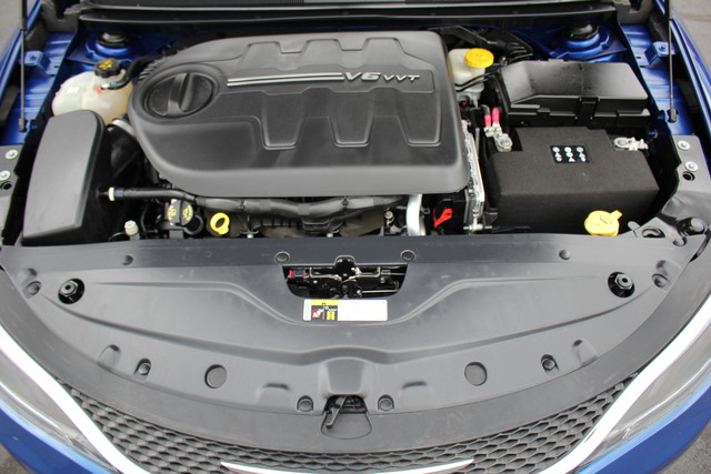 2015 Chrysler 200 C-AWD-NAV-PANOROOF!! Mooresville , NC 37