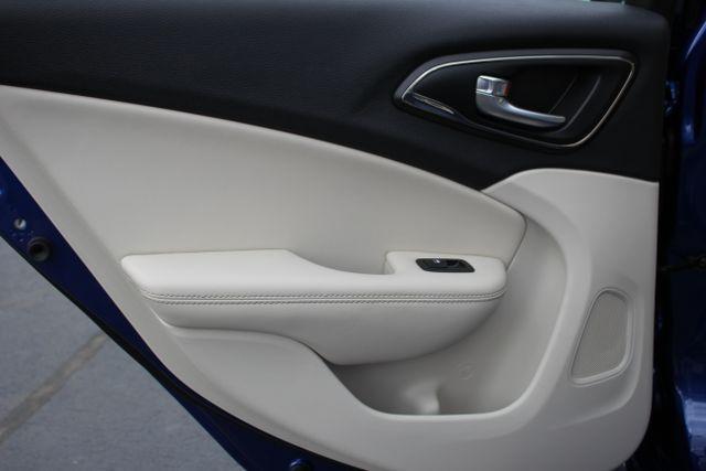 2015 Chrysler 200 C-AWD-NAV-PANOROOF!! Mooresville , NC 30
