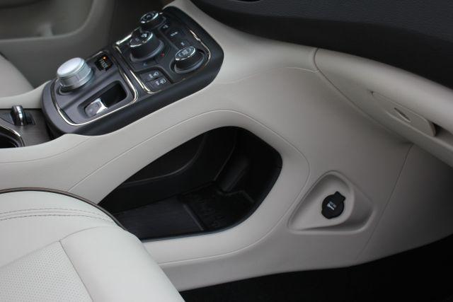 2015 Chrysler 200 C-AWD-NAV-PANOROOF!! Mooresville , NC 35