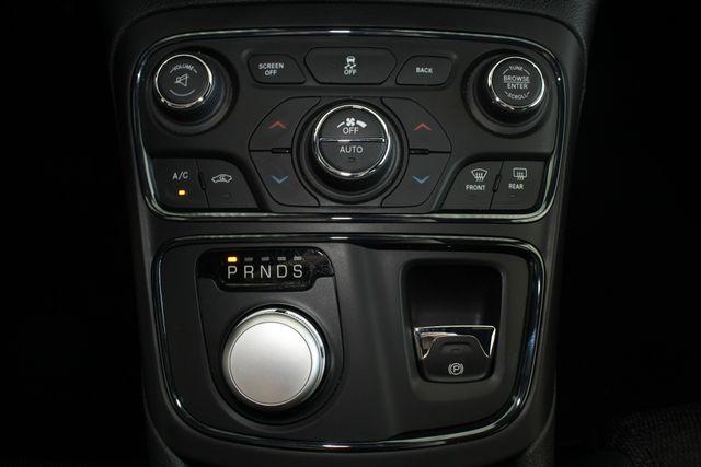 2015 Chrysler 200 S - COMFORT PKG - HEATED LEATHER! Mooresville , NC 33