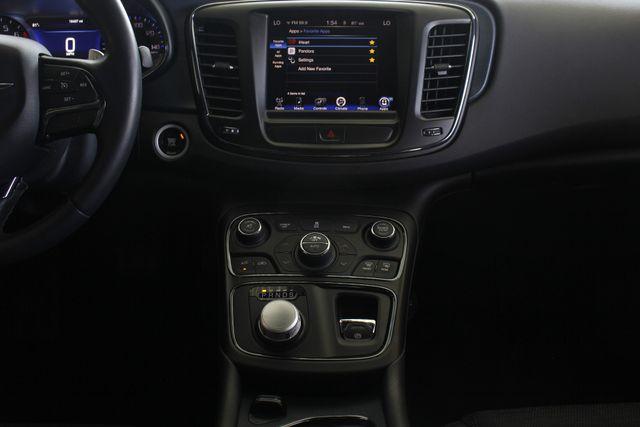 2015 Chrysler 200 S - COMFORT PKG - HEATED LEATHER! Mooresville , NC 8