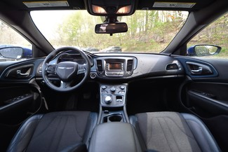 2015 Chrysler 200 S Naugatuck, Connecticut 14