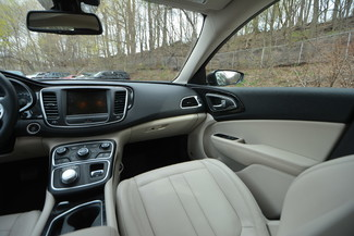 2015 Chrysler 200 C Naugatuck, Connecticut 17