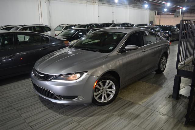 2015 Chrysler 200 Limited Richmond Hill, New York 0