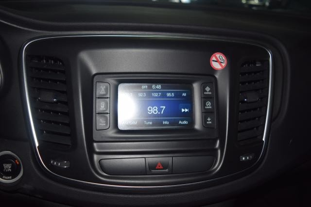 2015 Chrysler 200 Limited Richmond Hill, New York 14